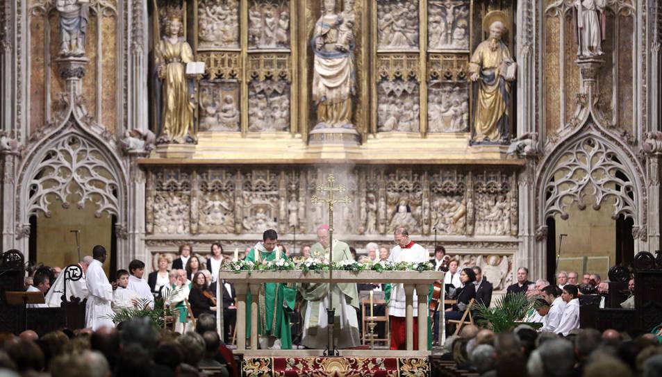 L'arquebisbe de la ciutat, Jaume Pujol, va tancar les portes del santuari, com a acte simbòlic.