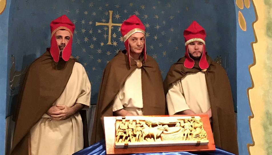 Els tres Savis vinguts d'orient amb la vestimenta oriental d'època del naixement de Jesucrist.