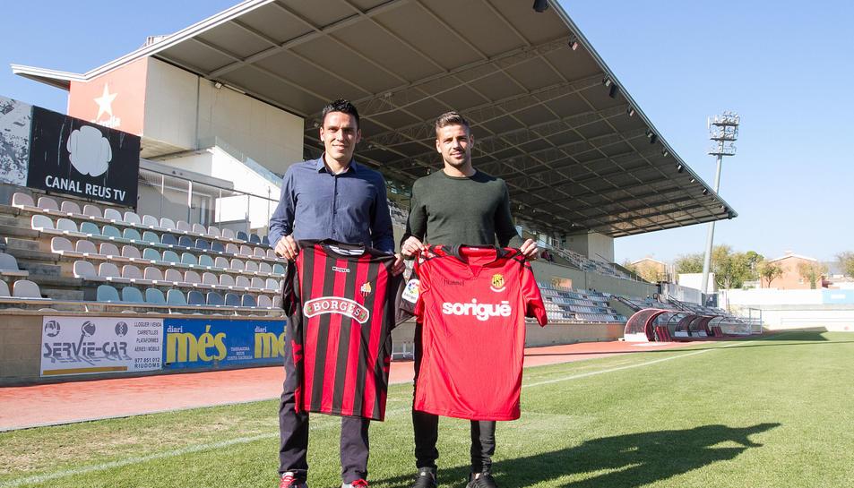 Ramon Folch, que llueix galons al vestidor roig-i-negre, i Xavi Molina, representant del costat Tarragona, es van citar ahir a l'Estadi.
