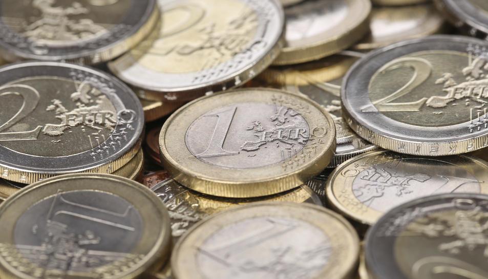 Monedes d'un i dos euros.