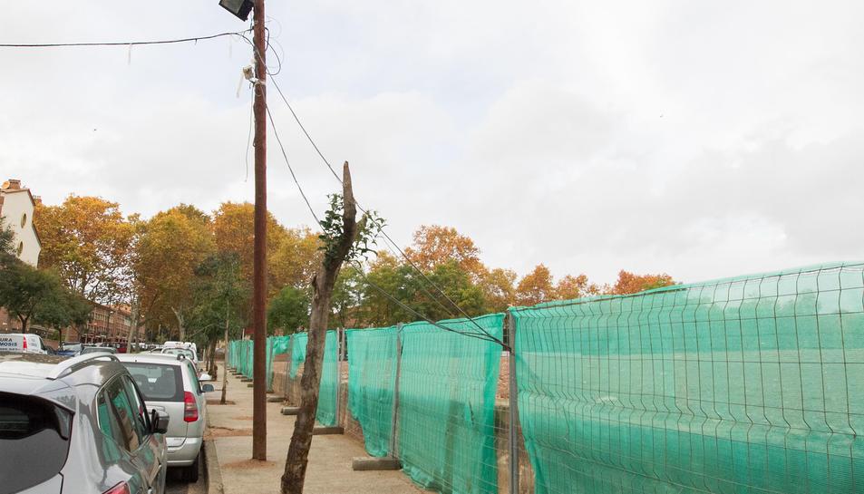 L'entorn de la Sedera amb el cablejat elèctric.