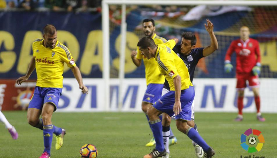 Els gaditans van golejar l'Alcorcón (4-1) en el darrer enfrontament disputat en Lliga.