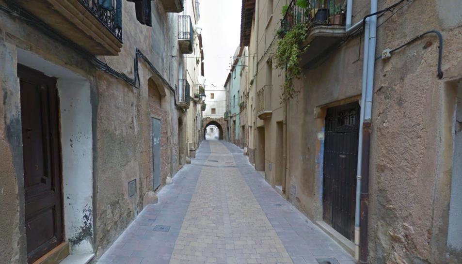 Imatge del carrer Major, nucli antic d'Alcover.