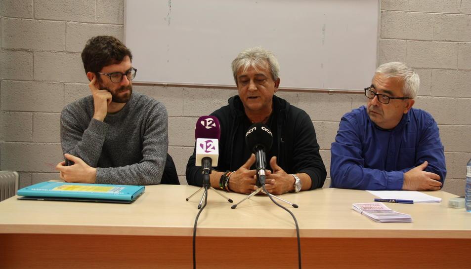 Francesc Xavier Tolosana, de Tarragona per la Memòria, Pau Gomis, de la Coordinadora Tarragona Patrimoni de la Pau i Raul Quirós, de Teatre per la Memòria.