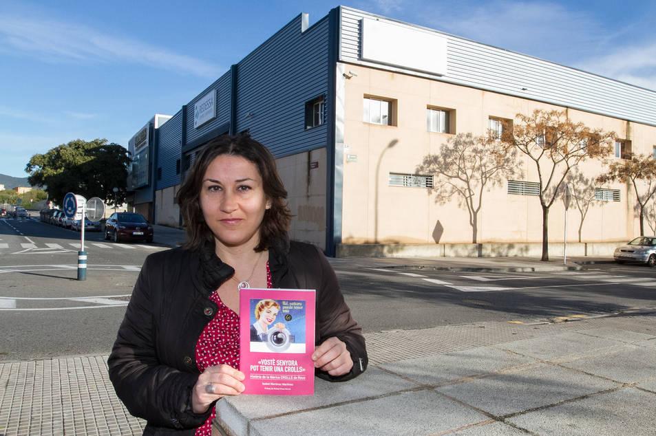 Isabel Martínez a l'espai que ocupava la fàbrica Crolls, ara a la zona del complex Redessa.