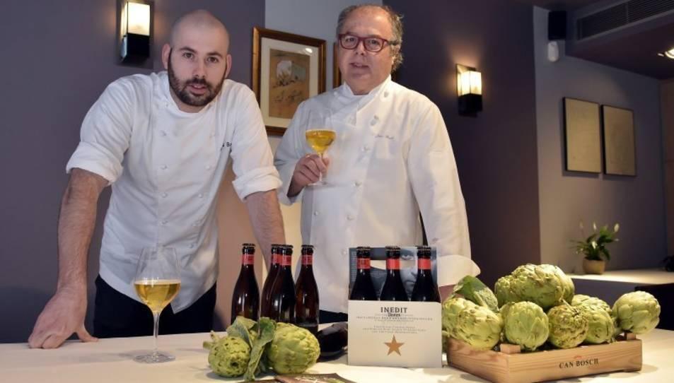 Arnau Bosch amb el seu pare Joan al restaurant de Cambrils Can Bosch.