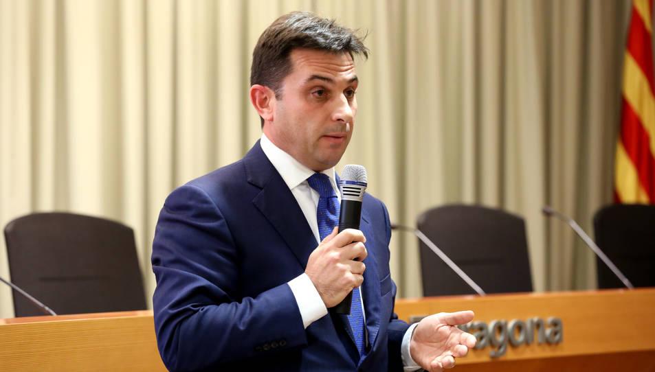 Albiac, ahir a l'ate de presentació de la candidatura a la Sala de l'Autoritat Portuària.