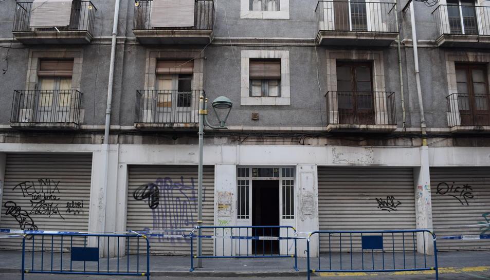 L'edifici afectat és el número 15 del carrer Reial.