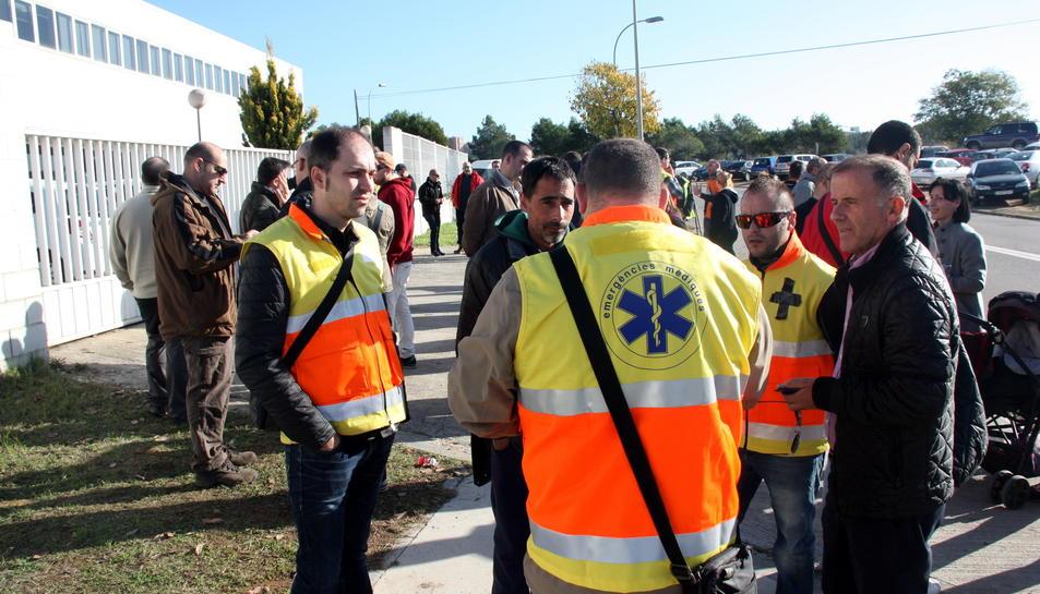 La protesta de treballadors de les ambulàncies al polígon Riu Clar de Tarragona.