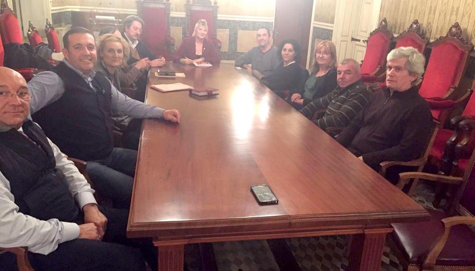 Imatge de la reunió de la presidenta d'Espimsa amb els marxants.