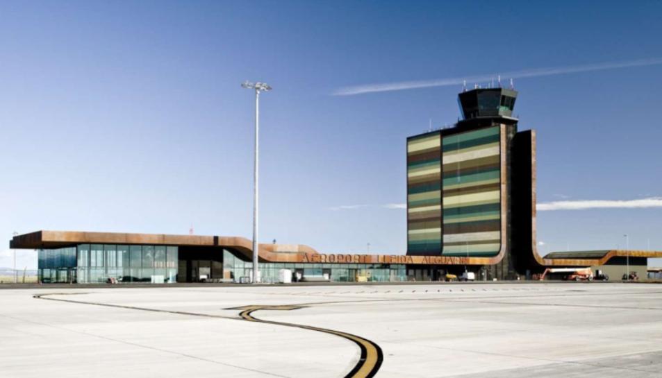 Imatge de l'exterior de l'aeroport de Lleida.