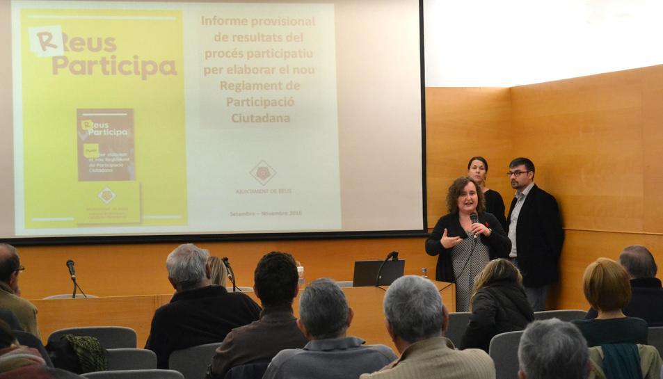 Imatge d'una de les sessions dels tallers de participació.
