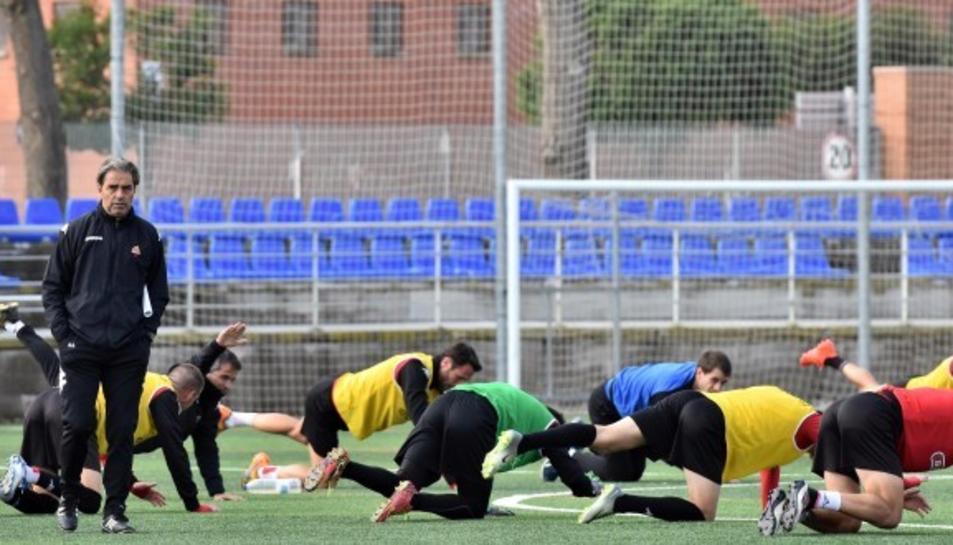 Els futbolistes del CF Reus, entrenant.