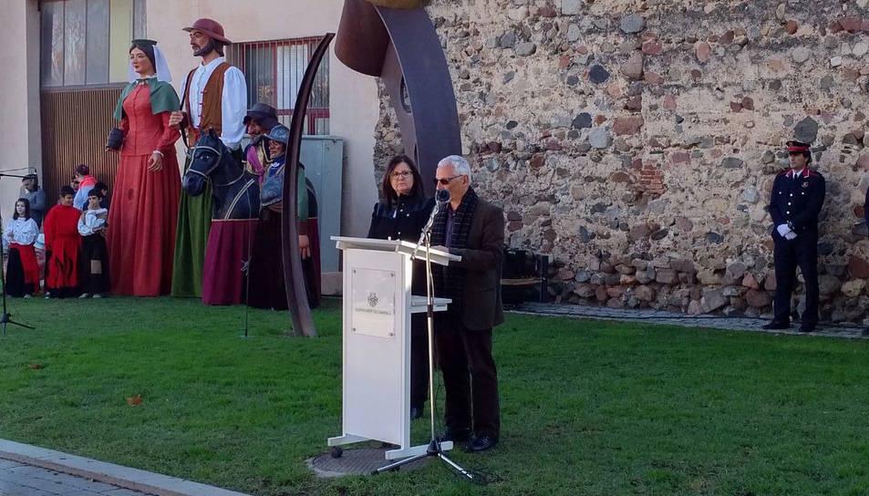 Santiago Vidal, ahir, amb l'alcaldessa de Cambrils.