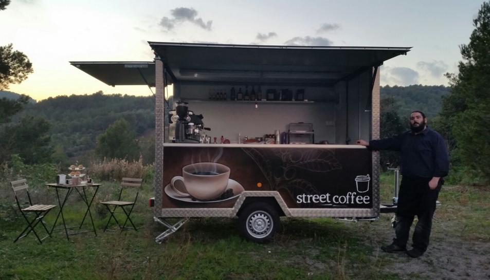 La food truck oferirà cafè d'especialitat, així com entrepans petits i cupcakes.