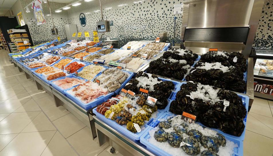 El supermercat inclou millores ergonòmiques pels seus treballadors.