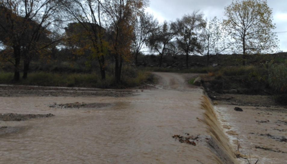 Imatge del resultat de la pluja a la riera de Maspujols al seu pas per Riudoms, al Baix Camp.