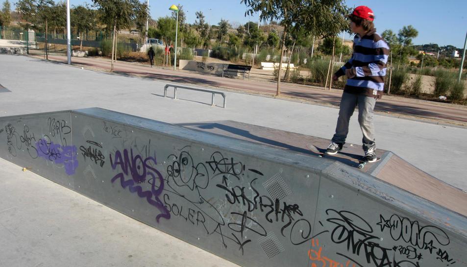 Imatge d'un 'skater' al 'Skate-Park' del Parc del Francolí.