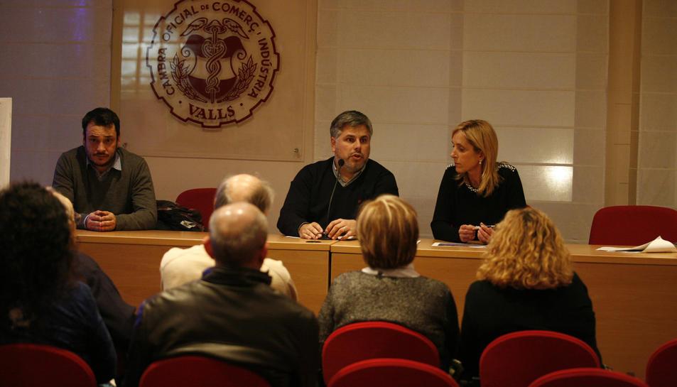 imatge de la reunió en què es va informar als veïns del projecte.