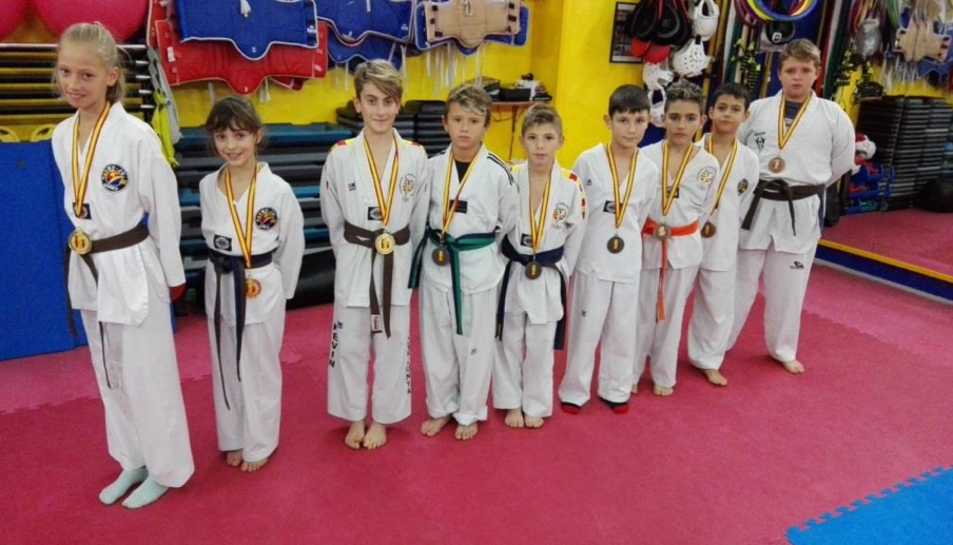 La categoria infantil del Club Esportiu My-Ju Cunit.