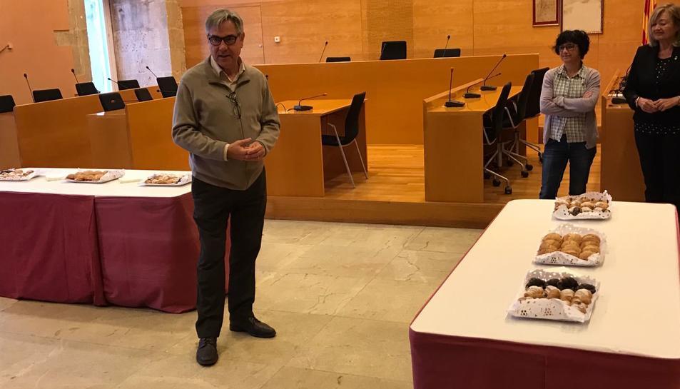 L'alcalde de Torredembarra, Enric Rovira Gual, en l'esmorzar de Nadal amb regidors i periodistes.