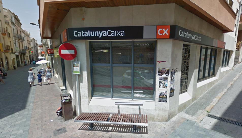 El robatori s'ha produït a l'entitat bancària BBVA-Catalunya Caixa del carrer Antoni Reig.