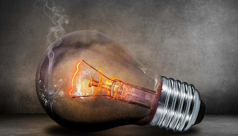 En 10 anys el preu del consum elèctric no ha deixat de pujar.