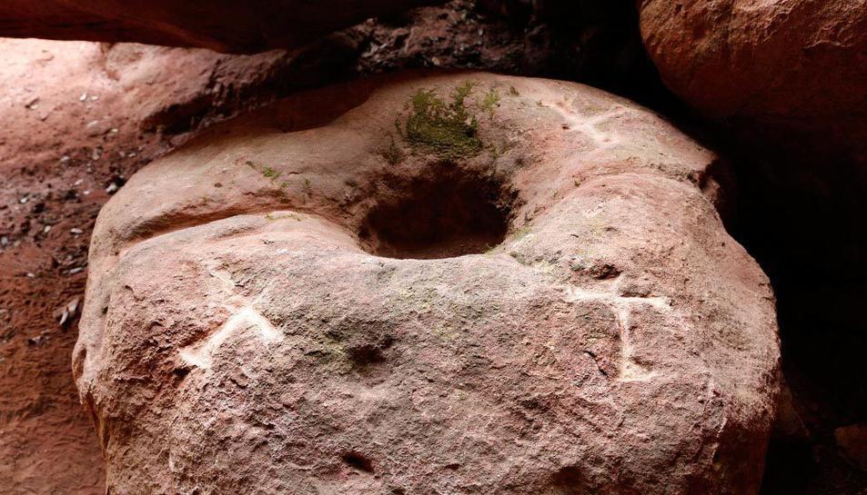 El forat de la pedra serviria per recollir la sang.