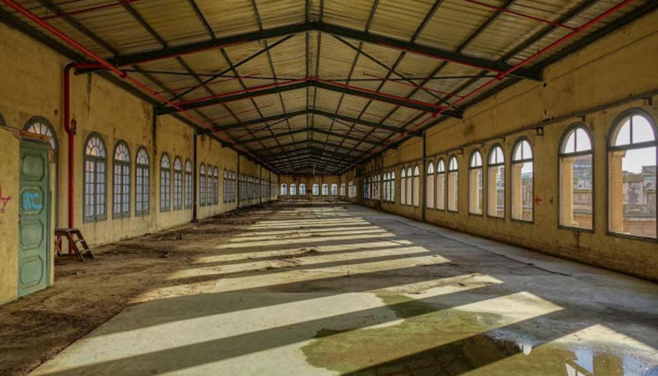 Jaume Cardona ha realitzat una sèrie de fotogràfies de l'estat actual de l'interior de l'emblemàtic edifici de la Tabacalera.