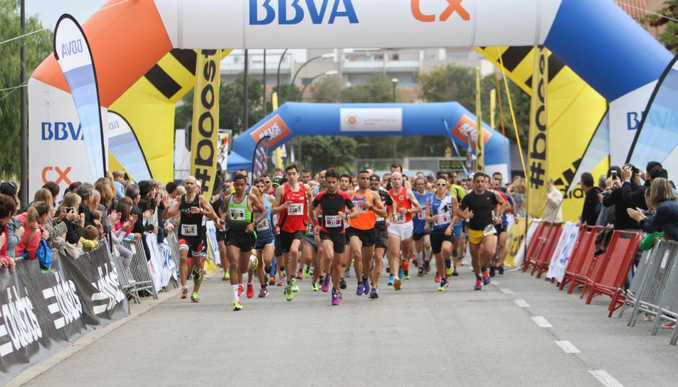 Una imatge d'arxiu de la Mitja Marató de Reus, que transcorre a l'entorn del Pavelló Olímpic.