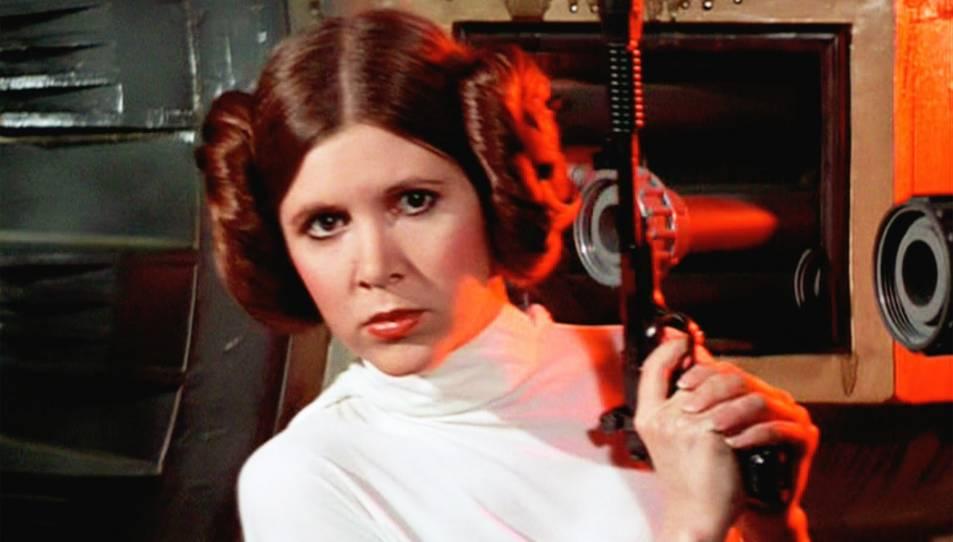 L'actriu encarnant la mítica princesa Leia d'Star Wars.