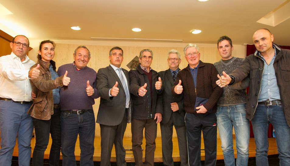 Els organitzadors de la 97a Volta Ciclista a Catalunya, amb el regidor d'Esports de l'Ajuntament de Reus, Jordi Cervera.