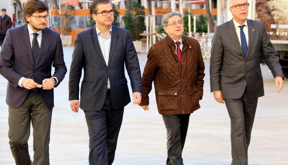 Ballesteros acompanyat del coordinador dels Jocs, Javier Villamayor, el regidor José Luis Martín i el delegat del govern, Enric Millo.