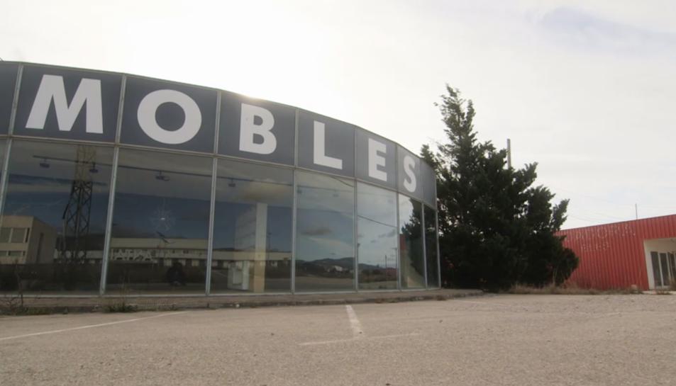 Una de les empreses de mobles de la Sénia en un fotograma del documental de Sense Ficció.