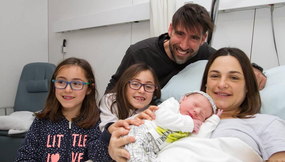 L'Alan i la seva família a l'Hospital Sant Joan de Reus.