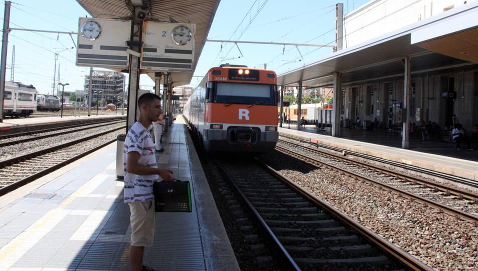 Imatge d'aquest estiu d'un dels combois de la R16.