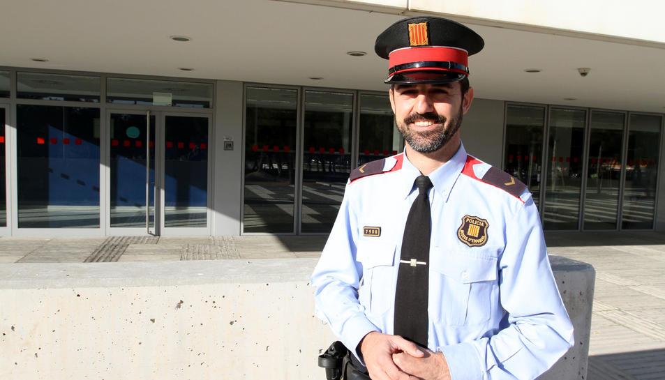 Martínez ahir a la comissaria dels Mossos d'Esquadra de Campclar, on la seva unitat té la seu.