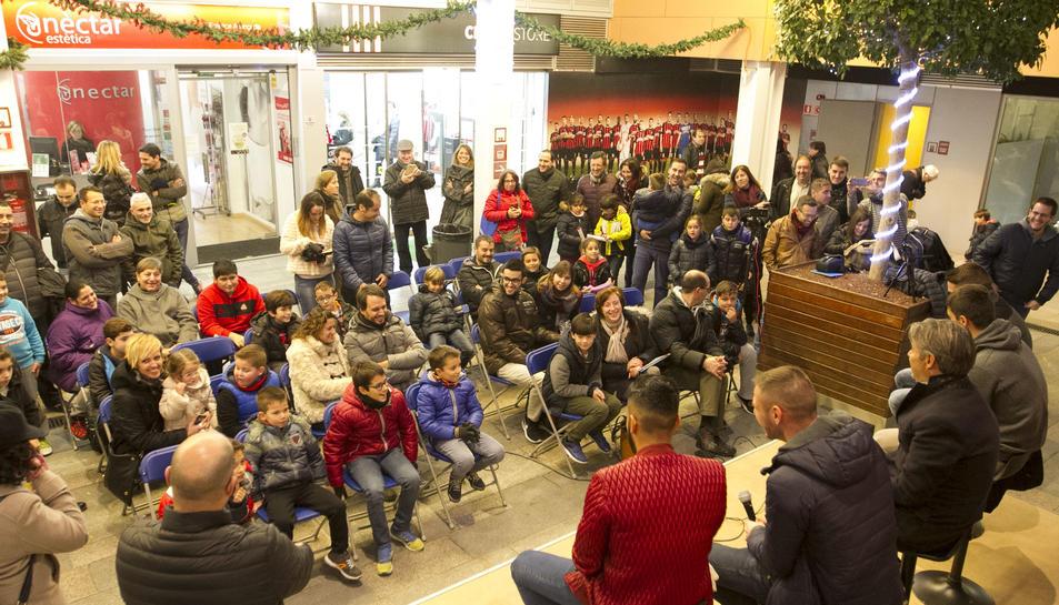 Fran Carbia, Edgar Badia, Natxo González, David Querol i Jorge Díaz van respondre a les preguntes dels seus petits i joves aficionats.