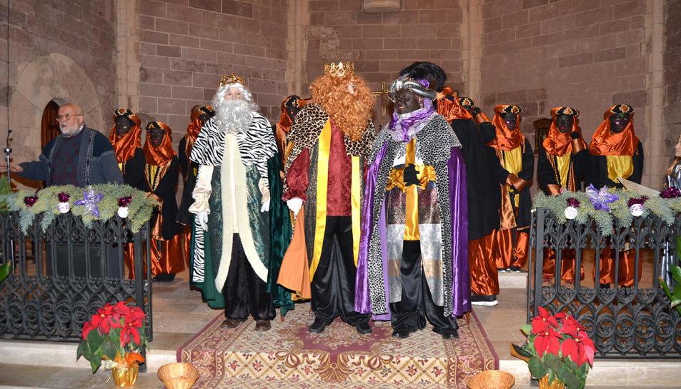 Melcior, Gaspar i Baltasar van arribar a Prades la nit del dia 5 i a l'església es van adreçar a tots els nens de la vila. Posteriorment van repartir els regals a tots els nens al centre cívic.