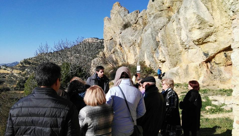 Imatge dels assistents a l'acte que van poder disfrutar de la nova Ruta Patrimonial.