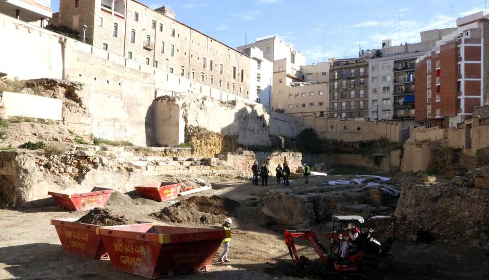 La intervenció al teatre romà de Tàrraco, amb les restes de la graderia a la part esquerra.