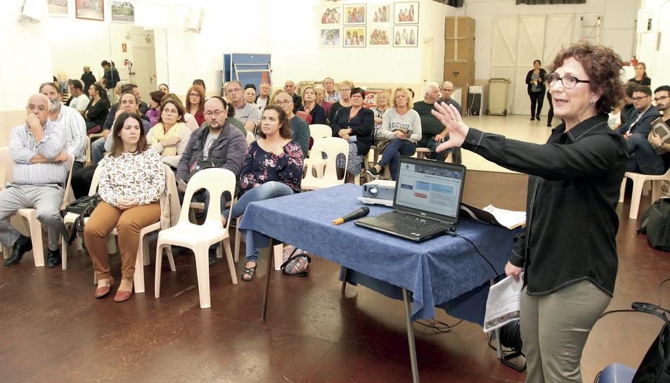 Una de les sessions de presentació i debat de propostes, a la Plana.