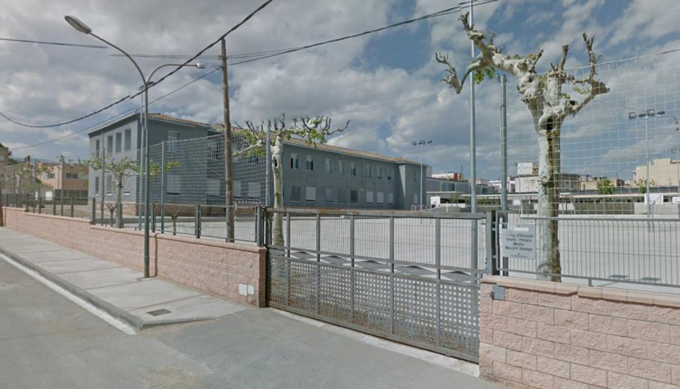 Imatge de l'exterior de l'escola Marcel·lí Domingo de Roquetes.