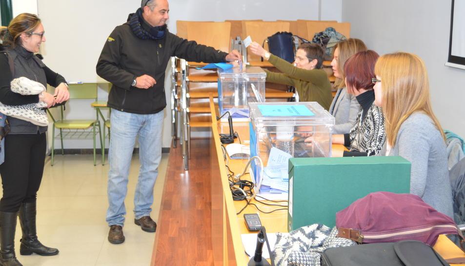 Imatge de la mesa de votacions de Vila-seca.