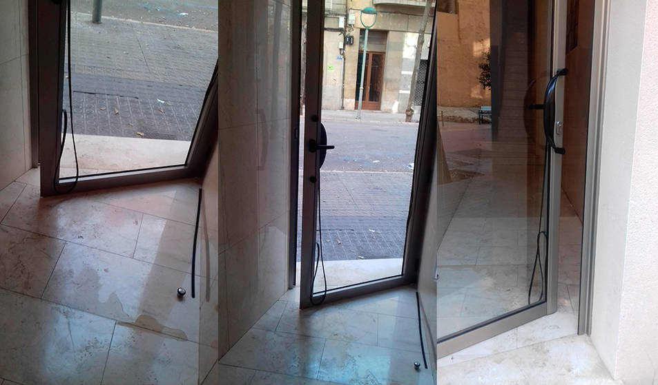 La porta va quedar malmesa i l'interior força brut.