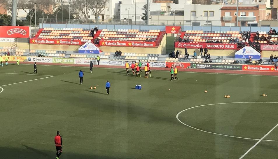 Els jugadors del Reus, durant l'escalfament.