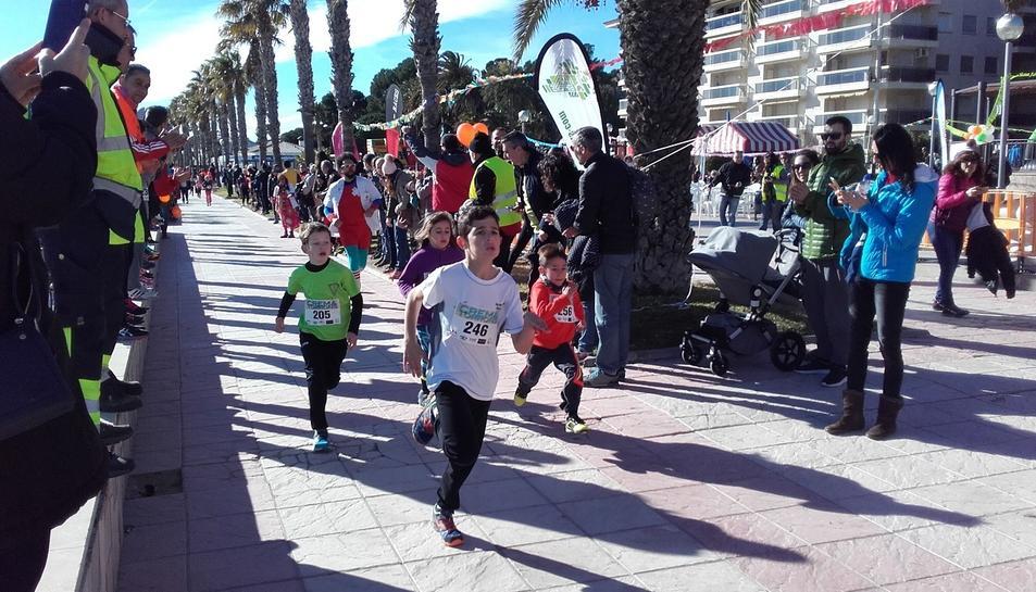 Imatge de la cursa infantil de la Crema Torrons de Miami Platja.