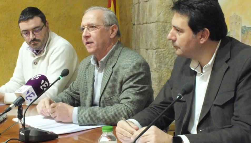 Pijoan, al centre, durant el seu darrer plenari comarcal.