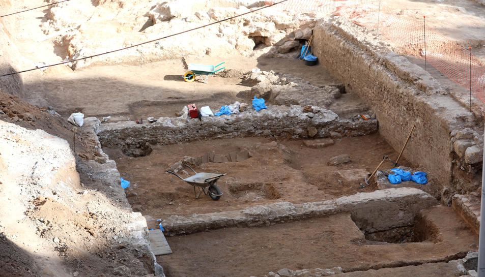 Solar de López Peláez que va ocupar l'antiga caserna de la Guàrdia Civil, on han aparegut les estructures d'època antiga.