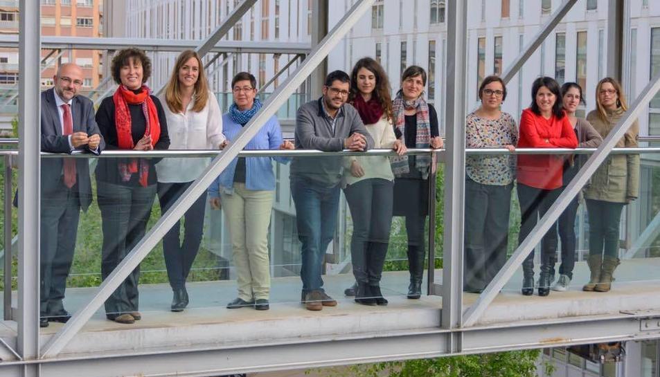 El doctor Sergi Nasarre (el primer de l'esquerra) i el seu equip han treballat durant set mesos en aquest estudi.